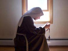 Suore_preghiera